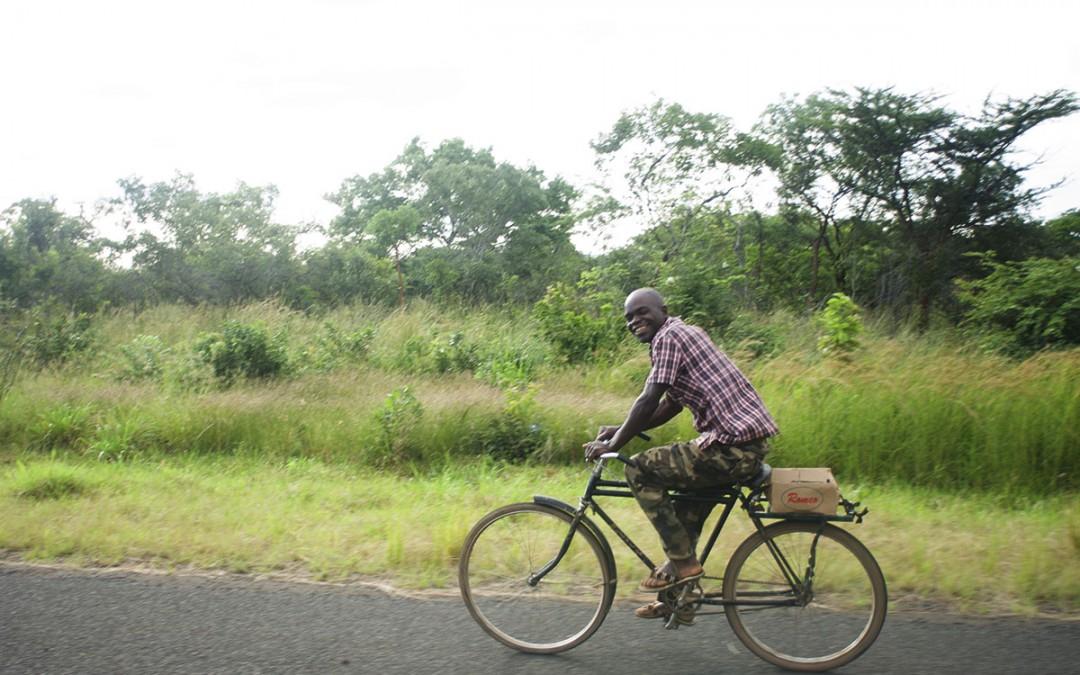 Cruzar Zambia en bicicleta
