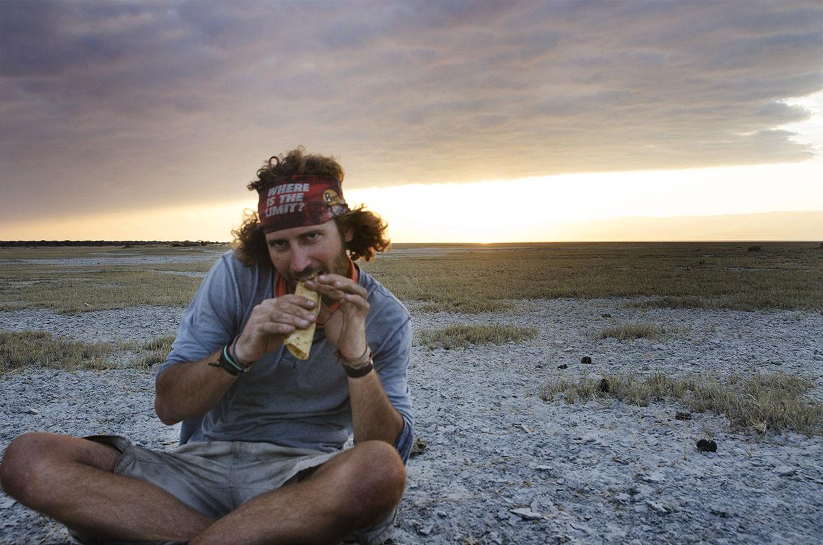 Colorado comiendo chapati.
