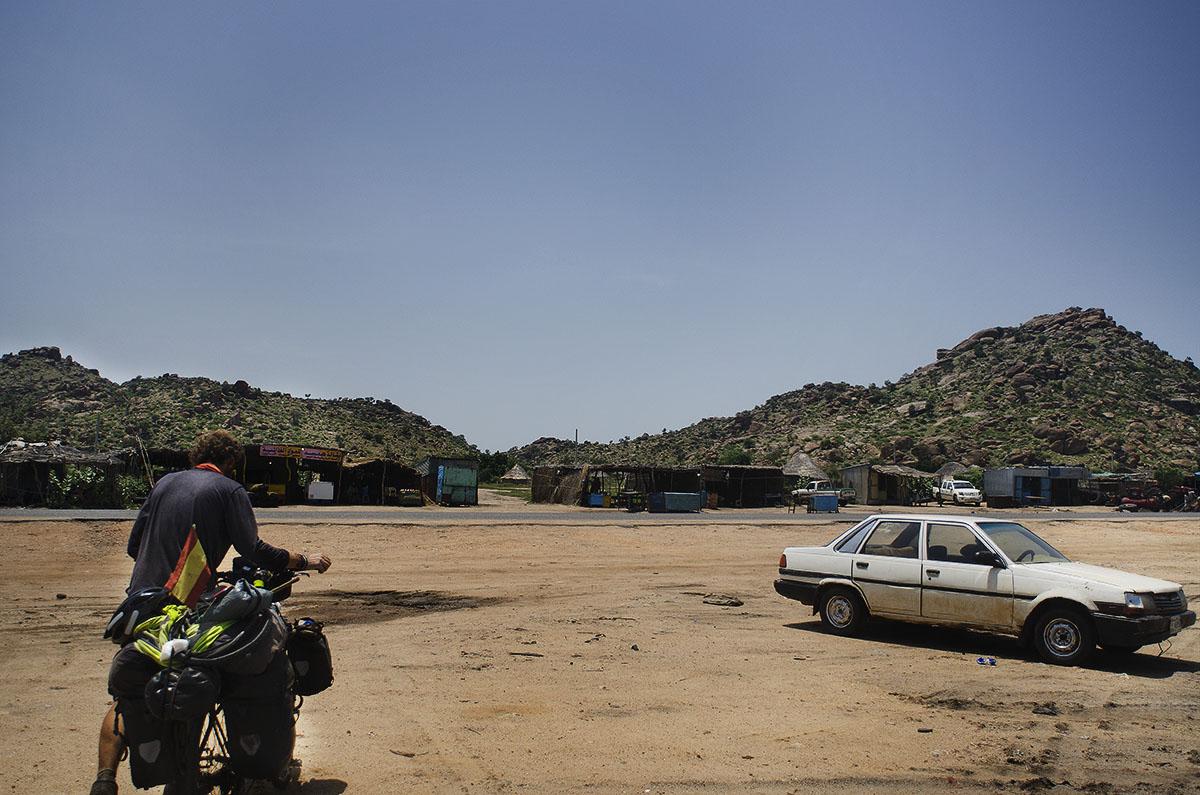 Pueblo de carretera en Sudán